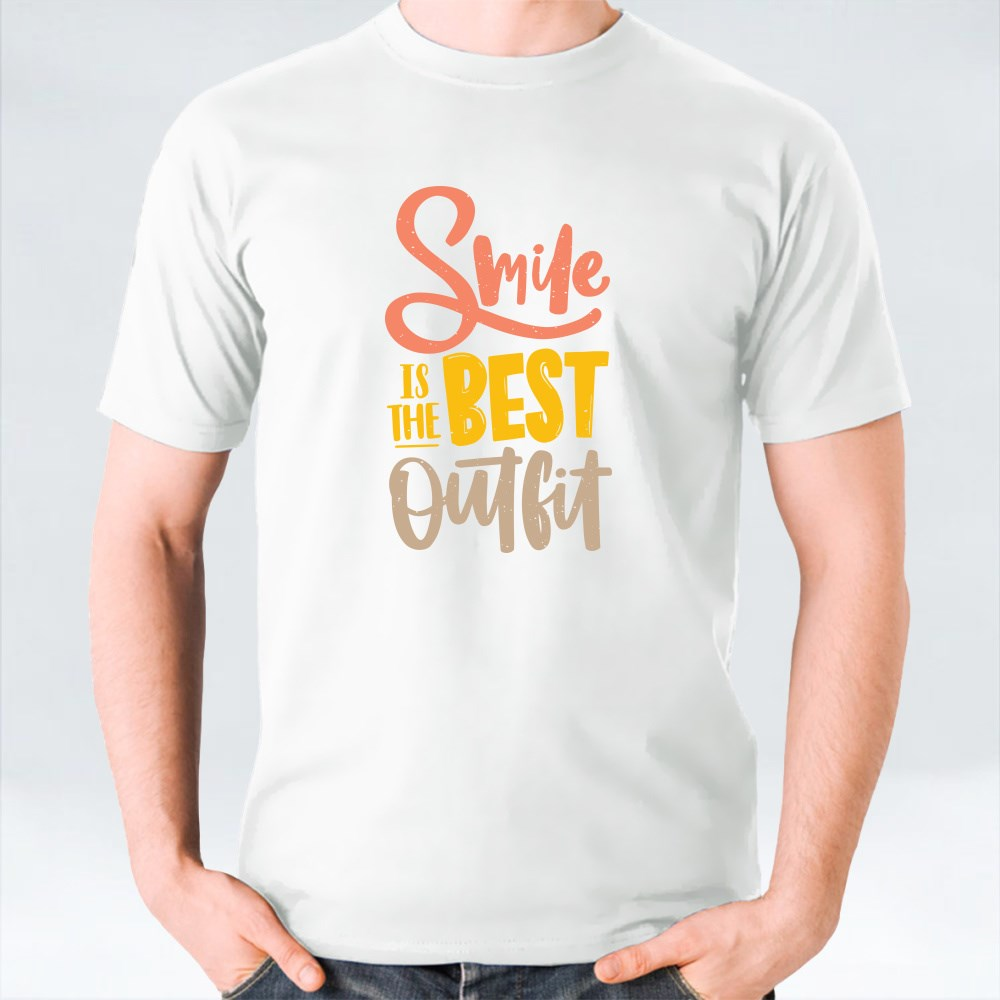 Smile Is the Best Outfit Inscrition T-Shirts