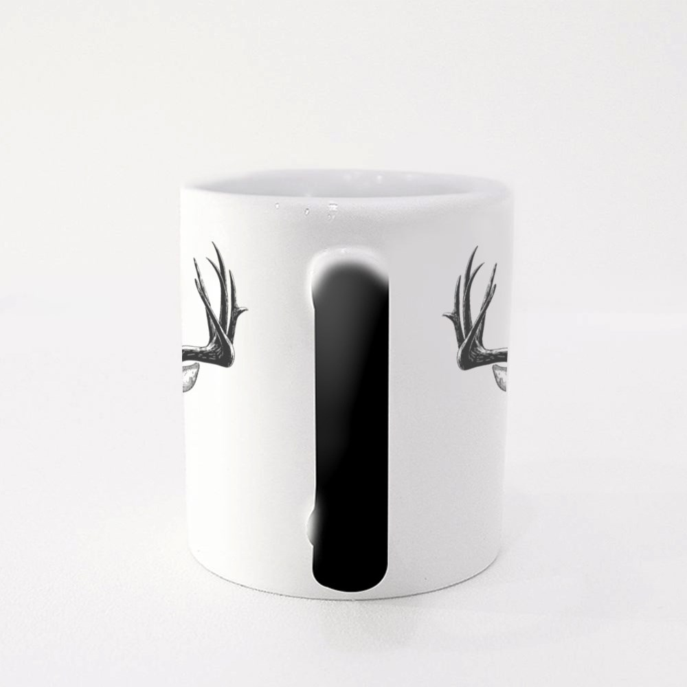 Deer Head on White, Hand Drawn Vintage Illustration Magic Mugs