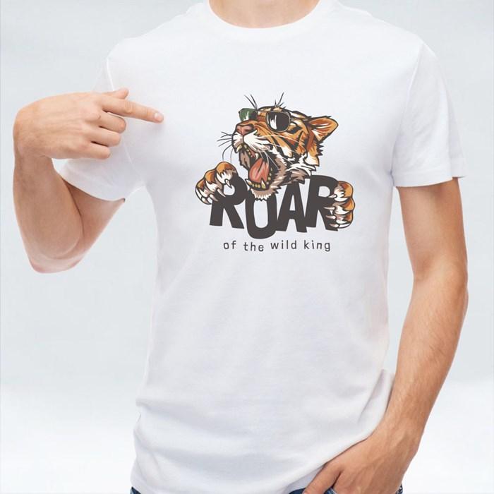 Roar Slogan With Tiger Head in Sunglasses, Illustration T-Shirts