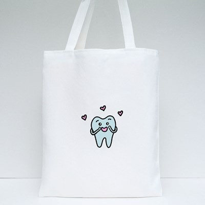 Cartoon Tooth in Love Tote Bags